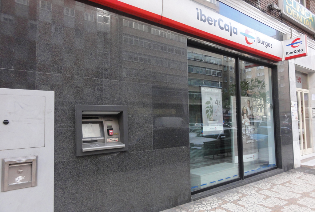 Ibercaja reinforces the safety of their offices with for Ibercaja oficinas