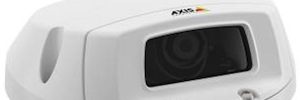 Axis P3905-RE: flexible network video surveillance for transport systems