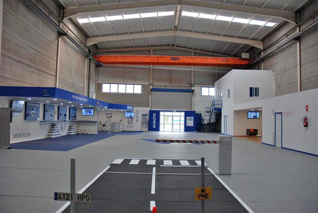 Mobotix abriu uma nova sede nas ilhas can rias com uma grande sala de exposi es para a - De sede showroom ...