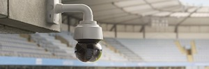 Axis introduces its first compact IP camera with 4K resolution for indoor and outdoor