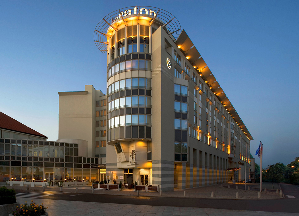 The Sheraton Warsaw Hotel installed a security solution ...