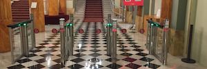 Azkoyen group performs access control and validation of entries at the Liceo de Barcelona