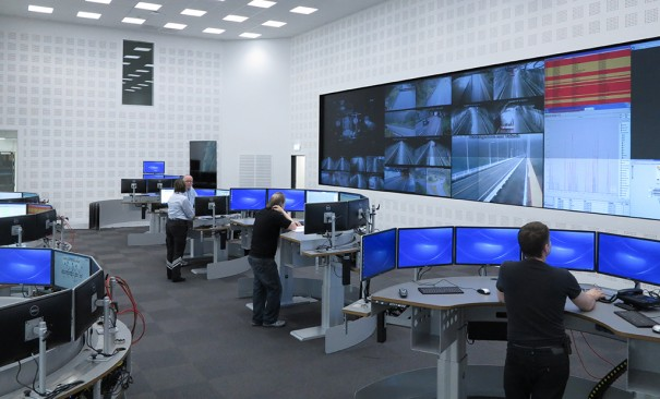Videowall eyevis Center control traffic Norway