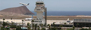 Telecamere MOBOTIX permettono di studiare le traiettorie degli aeromobili presso l'aeroporto Tenerife Sur Reina Sofia