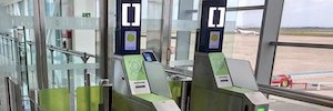 AENA begins pilot of the first biometric autoembarque in Menorca airport