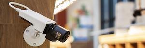 Axis introduce una nuova generazione di telecamere M11 per la sorveglianza preventiva e conveniente