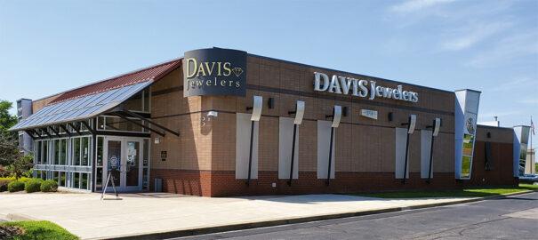 Avigilon en Davis Jewelers