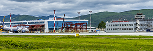 帕诺梅拉技术监测尤日诺-萨哈林斯克机场的跑道