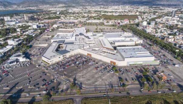 Axis centro comercia plaza mayor mexico