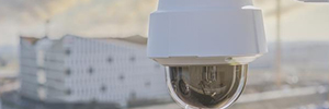 Axis Q6078-E: cámara PTZ para entornos críticos en exterior